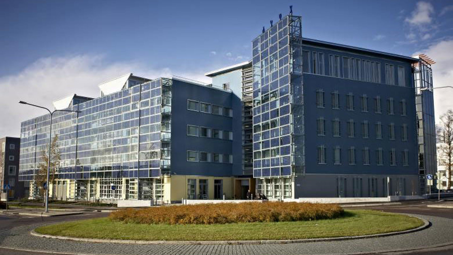 Viikki Environment House - solar panels facade (picture: City of Helsinki)